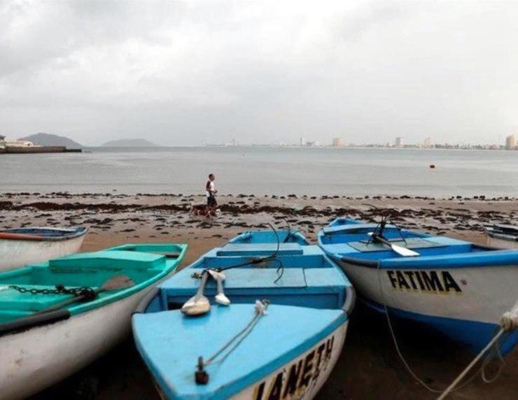 Marina cierra puertos a embarcaciones comerciales y deportivas en Puerto Escondido