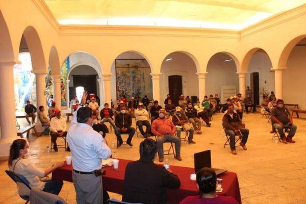 Pide edil de Tlaxiaco a autoridades auxiliares reforzar acciones contra coronavirus