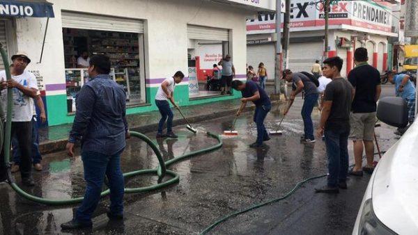 Tuxtepec amanece sin ambulantes; limpiaron dónde se instalan diariamente