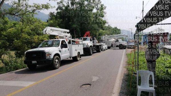 Comerciantes de Valle Nacional, bloquean carretera a Oaxaca