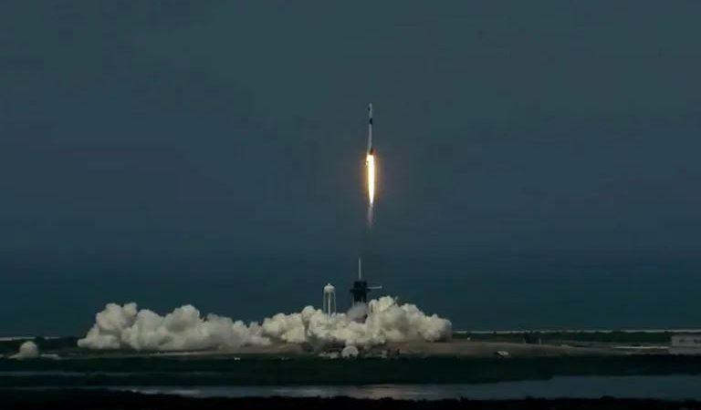 Despega con éxito vuelo espacial de SpaceX con astronautas de la NASA