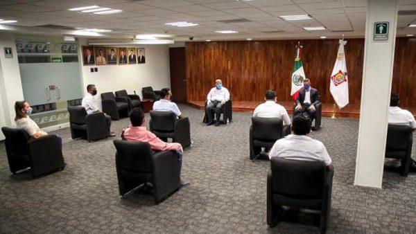 Alejandro Murat agradece el compromiso de las y los maestros de Oaxaca