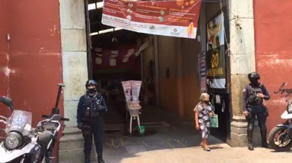 Redoblan medidas de sanidad en mercado 20 de Noviembre de Oaxaca