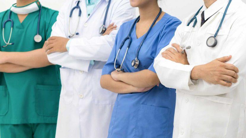 Proponen aumento salarial a trabajadores de la salud durante contingencia sanitaria