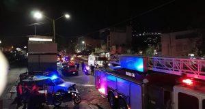 Atiende Bomberos de Oaxaca incendio registrado en la Central de Abasto