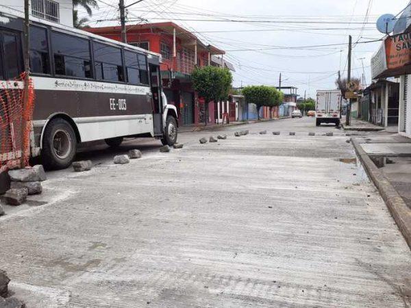 Avanza la reposición de losas dañadas en avenidas y calles de Tuxtepec