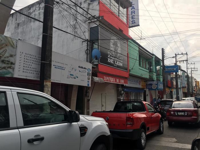 Llama director de comercio, a seguir con cortinas abajo en Tuxtepec