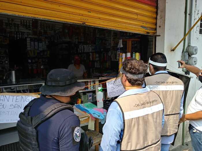 Gobierno de Tuxtepec refuerza operativo para que negocios no esenciales continúen cerrados