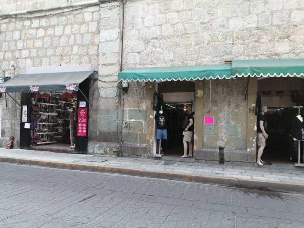Alrededor de cien comercios abrieron sus cortinas en el centro de Oaxaca