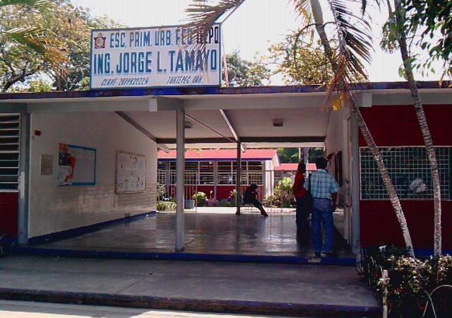 Comité de padres de la Primaria Jorge L. Tamayo, se niega pagarle a maestros