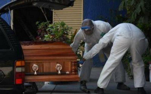 """Identifican funerarias """"patito"""" que han sepultado victimas de covid en Oaxaca"""