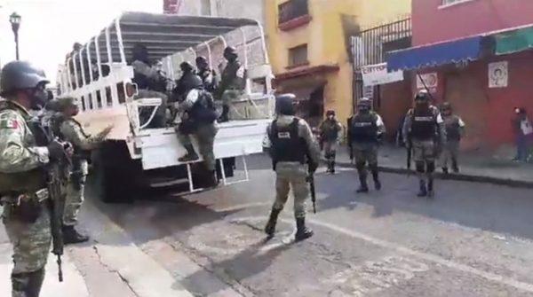 Guardia Nacional recorres calles de Oaxaca para evitar robos y saqueos