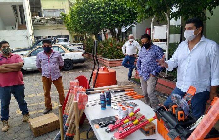 Gobierno de Tuxtepec mejora herramientas de trabajo al personal de Agua Potable
