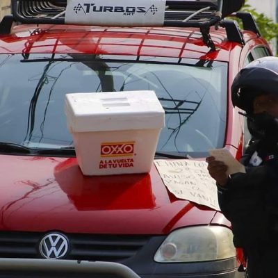 """-Sobre el cofre de un vehículo fue hallada una hielera con el mensaje """"la próxima será la tuya""""."""