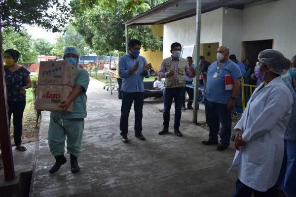 Reconoce Irineo Molina labor del personal médico de la región