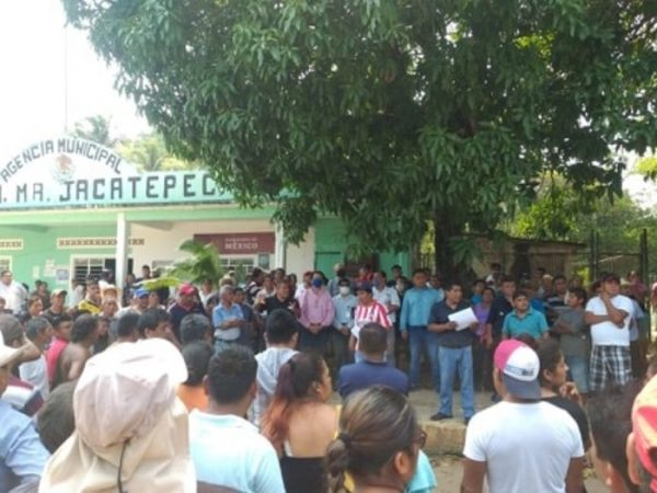 A tres meses de correr al personal de salud, habitantes de la Joya Jacatepec siguen sin médicos