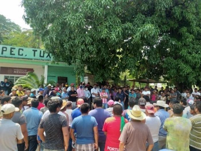 Habitantes de Jacatepec, corren a personal médico por haber diagnosticado un caso de covid
