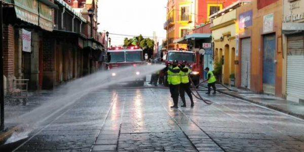 Continuán sanitizando calles del centro histórico de Oaxaca