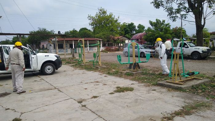 Extiende Irineo Molina campaña de sanitización en comunidades