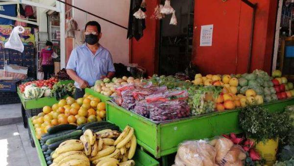 Cierre de tiendas foráneas los fines de semana, beneficia a pequeños comercios en Valle