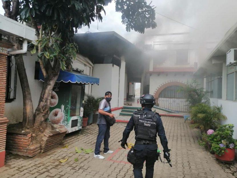 Incendian oficinas del PRI en Oaxaca