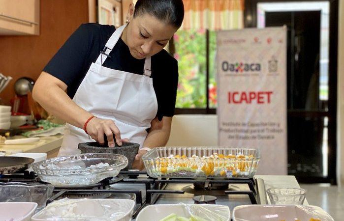 Llegan cursos digitales del Icapet a más de 150 mil oaxaqueñas y oaxaqueños