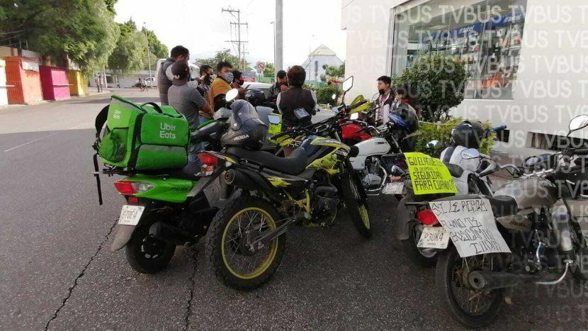 Una vez más repartidores en motocicletas exigen seguridad a autoridades