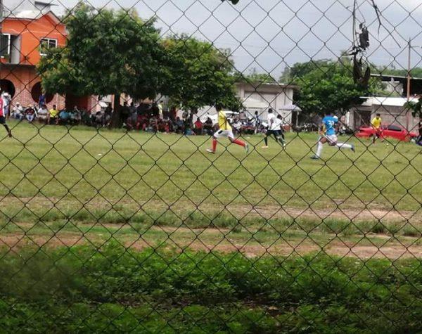 A pesar de casos de covid, deportistas siguen concentrándose en colonias de Tuxtepec