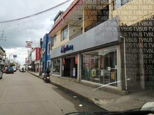 Alrededor del 80% del comercio en Tuxtepec con las cortinas arriba, a pesar de seguir en semáforo rojo