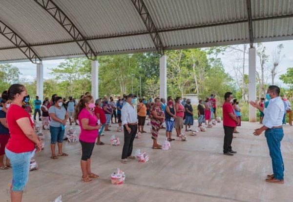 Gobierno de Tuxtepec lleva apoyo alimentario a miles de familias