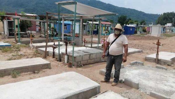 Aplicarán medidas sanitarias en panteón de Valle Nacional, por el día del padre