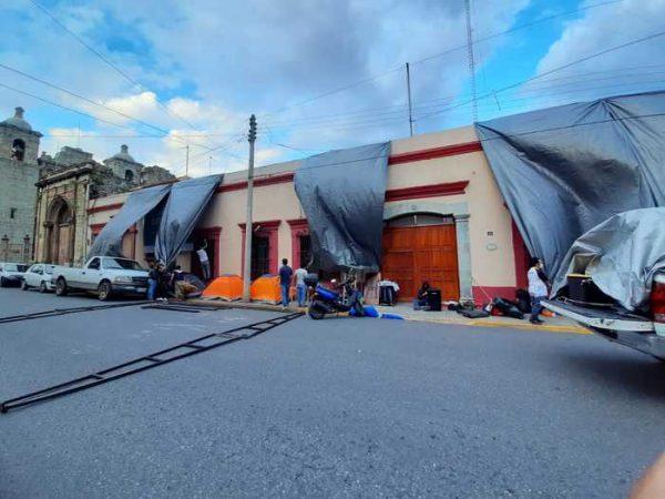 Trabajadores del Sindicato de Salud Independiente, exigen entrega de insumos para combatir el Covid en Oaxaca