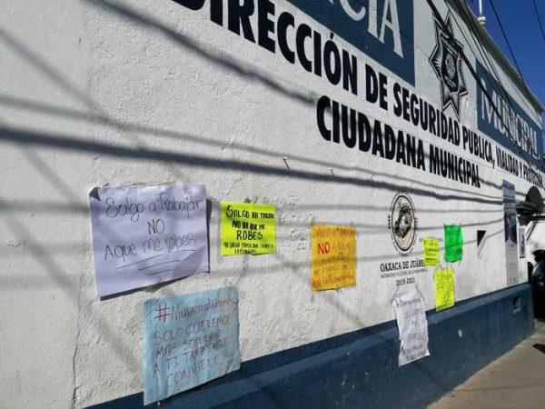 Protestan repartidores de comida en la ciudad de Oaxaca, exigen mayor seguridad
