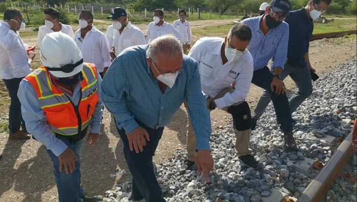Continúan de manera permanente los trabajos de rehabilitación de la vía férrea del Tren Transístmico