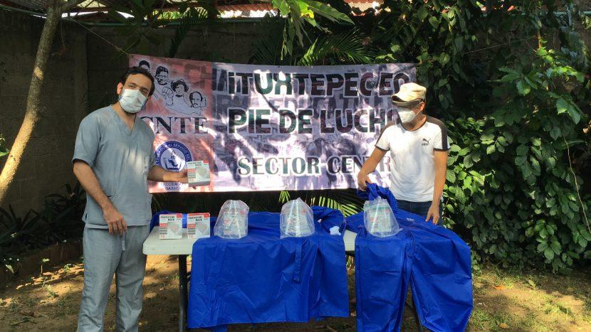 Dona Sección 22 insumos médicos a clínica del ISSSTE de Tuxtepec