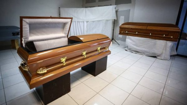 Por anomalías, PROFECO suspende 6 funerarias en Oaxaca