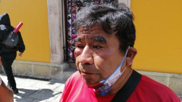 Agentes funerarios agreden a periodista durante bloqueo en calles de Oaxaca