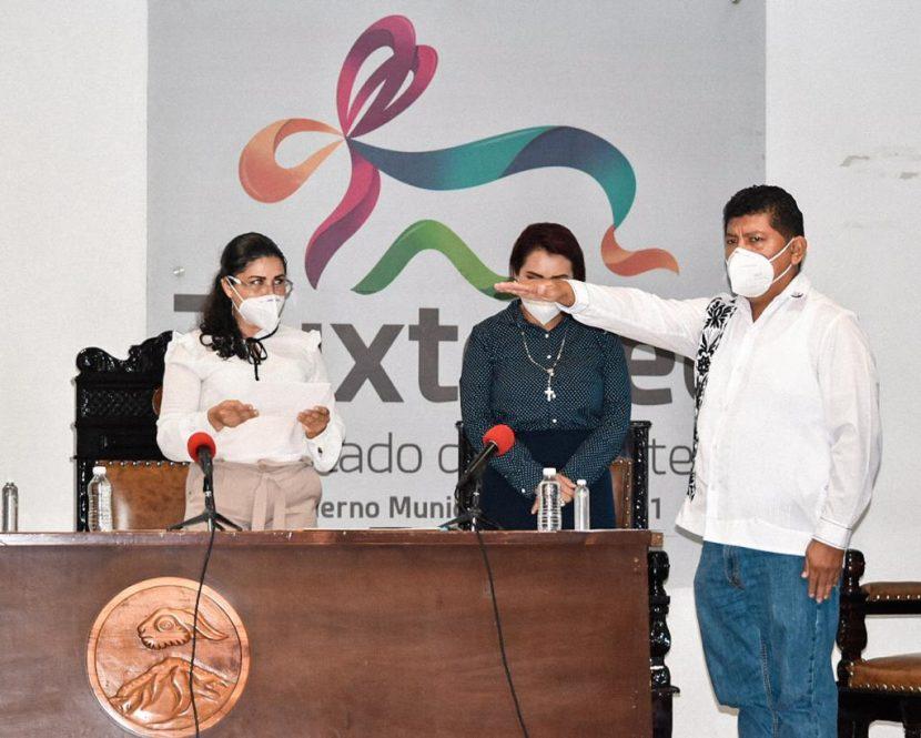 Noé Ramírez Chávez rinde protesta como Presidente Municipal de Tuxtepec