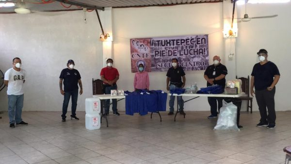 Por segunda ocasión Sección 22 entrega insumos al hospital general de Tuxtepec