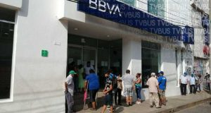 Suspenden pago a adultos mayores en Tuxtepec; banco cierra de manera temporal