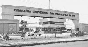 Señalan empleados que en Cervecera de Tuxtepec, han perdido la vida 15 personas por Covid