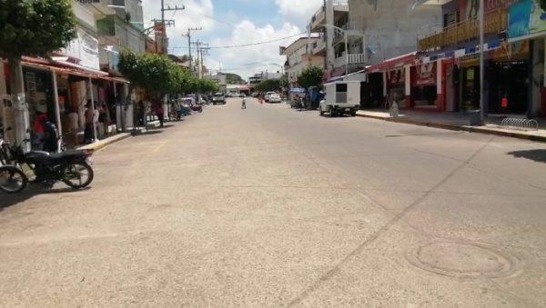 En Loma Bonita comercio empieza a levantar sus cortinas; tras dos semanas cerrados