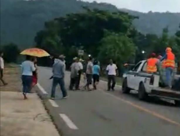 Habitantes de Cerro Marín corren a brigadistas; se niegan a sanitizar sus hogares y calles