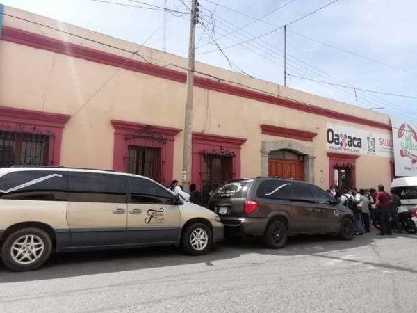 Amagan funerarias con suspender servicio en el estado de Oaxaca