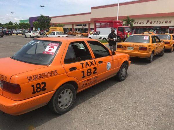 Reportan taxistas de Tuxtepec pérdida de hasta un 30% por mala planeación de obras en la ciudad