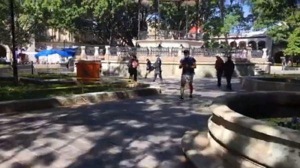 Alta concentración de personas en bancos de Oaxaca, pese a que está en semáforo rojo