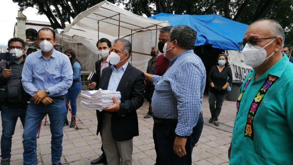 Comerciantes piden eliminación de ley que prohíbe venta de comida chatarra