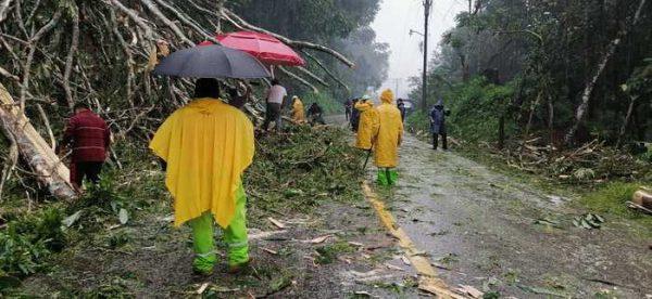Mantienen dependencias operativo por daños de lluvias en Oaxaca