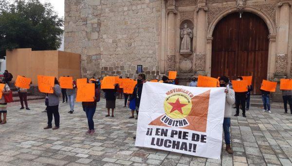 Integrantes de LUBIZHA se manifiestan en la capital del Estado
