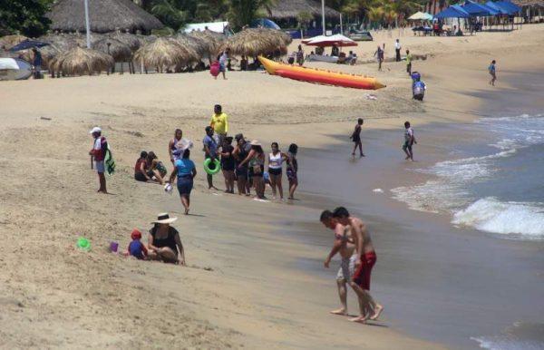 Detienen a 30 personas en Huatulco por desacatar medidas
